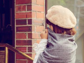帽子をかぶっている女性の写真・画像素材[1641988]
