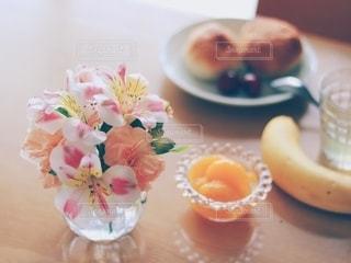 花のある生活の写真・画像素材[2169807]