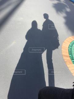 スケート ボードに乗る人の写真・画像素材[1079985]