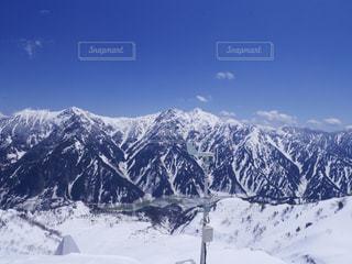 立山黒部アルペンルートより立山連峰と黒部ダム - No.1011115