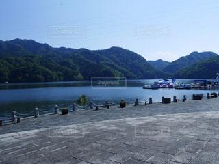 夏の相模湖の写真・画像素材[1127851]