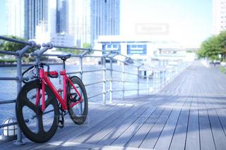 赤い自転車の写真・画像素材[1633308]