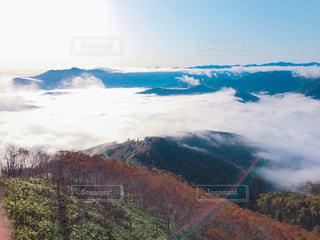雪の覆われた山々 の景色 - No.801292