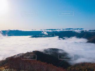 雪の覆われた山々 の景色 - No.801296