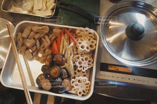 煮物をぐつぐつの写真・画像素材[3011519]