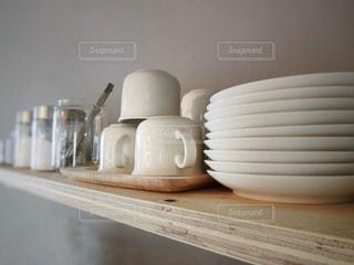 白い食器の写真・画像素材[1001466]