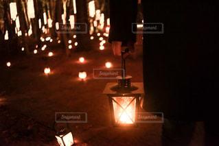クロック タワーは夜ライトアップの写真・画像素材[817078]