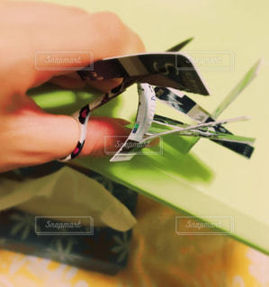 近くにナイフを持っている人のの写真・画像素材[724641]