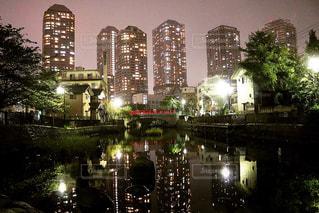 夜の街の景色の写真・画像素材[856810]