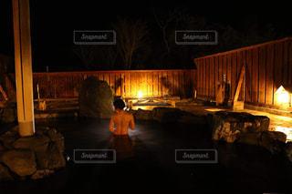 夜には大きな橋がライトアップの写真・画像素材[2106723]