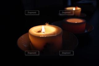 アロマキャンドルの安らぐ灯り。の写真・画像素材[318507]