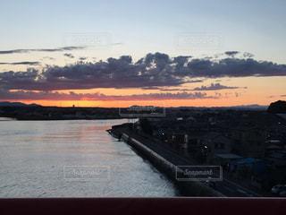 沈む夕日の写真・画像素材[1014662]