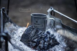 焚き火でコーヒーの写真・画像素材[2877063]