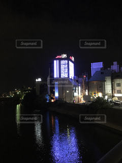 夜の街の景色の写真・画像素材[854301]