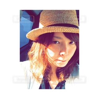 帽子をかぶっている人の写真・画像素材[1740299]