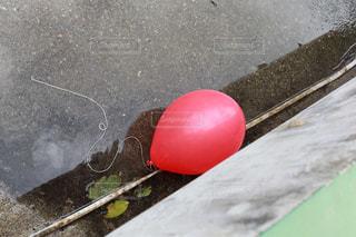 赤い風船の写真・画像素材[994303]