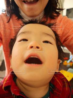 自撮り笑顔の子供の写真・画像素材[1806167]