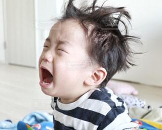 泣く幼児の写真・画像素材[2146150]