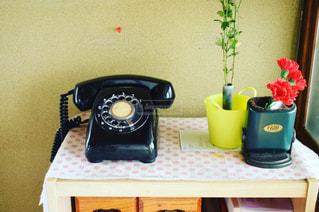 テーブルに座っているポットの写真・画像素材[706214]