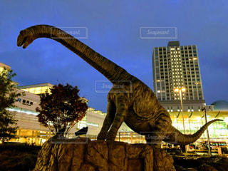 恐竜の像の写真・画像素材[1613387]