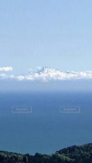 男鹿半島から眺める鳥海山の写真・画像素材[3375484]