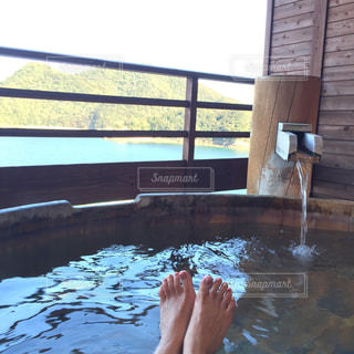 旅館のお風呂に入ろうとしている女性の写真・画像素材[457639]