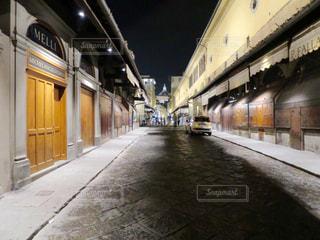 夜のヴェッキオ橋の写真・画像素材[398007]