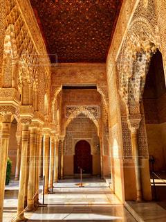 アルハンブラ宮殿廊下の写真・画像素材[2611082]
