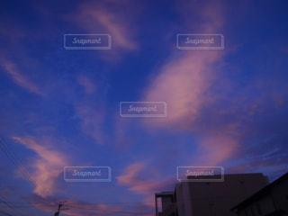 夕焼け雲の写真・画像素材[1108086]