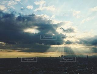 水体の空に雲の写真・画像素材[1410656]