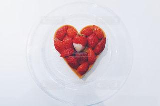 皿の上のフルーツ ボウルの写真・画像素材[1041000]