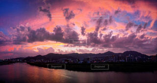 壮大な夕焼けの写真・画像素材[822523]