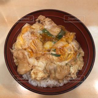 鳥つねの親子丼の写真・画像素材[2487483]