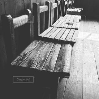 木製ベンチの写真・画像素材[1835446]