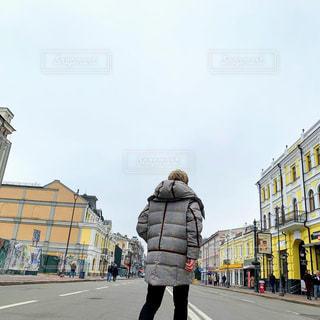 通りを歩く男性の写真・画像素材[1726203]