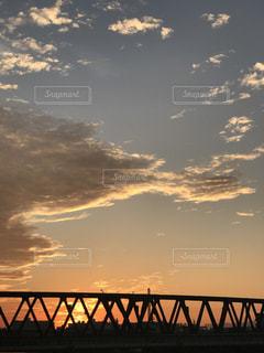 沈む夕日の写真・画像素材[1127048]