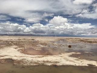 ウユニ塩湖の写真・画像素材[335198]