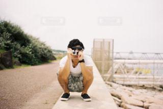 海,空,夏,カメラ,青,男,曇り空,新潟,思い出,インスタントカメラ,夏の日