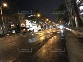 夜に空の街の写真・画像素材[1016364]