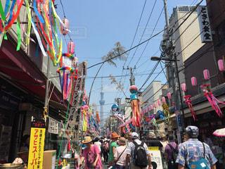 浅草七夕祭りとスカイツリーの写真・画像素材[605591]
