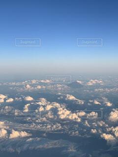 飛行機からの富士山の写真・画像素材[4821730]