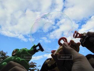 シャボン玉遊びの写真・画像素材[496752]