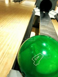 ボウリングの球のアップの写真・画像素材[1416020]