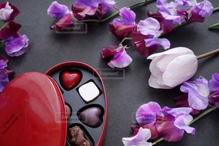 近くの花のアップの写真・画像素材[1683570]