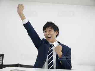 スーツとネクタイを身に着けている田村淳(自動タイトル作成機能で出てきたから編集しません!笑)の写真・画像素材[1171101]