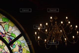 ステンドガラスとシャンデリア(^^)の写真・画像素材[1400123]
