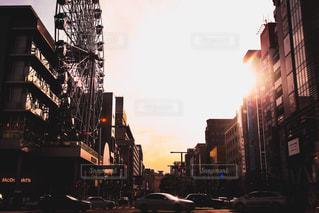 どこか寂しげな街の中での写真・画像素材[2491411]