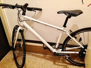 自転車を閉じるの写真・画像素材[2714129]