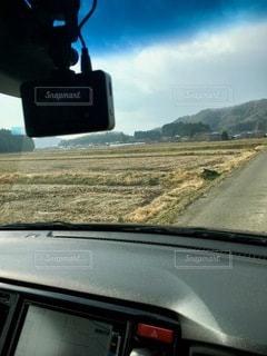 車を運転する人の写真・画像素材[2768681]