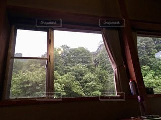窓の外を見下ろす眺めの写真・画像素材[2773531]